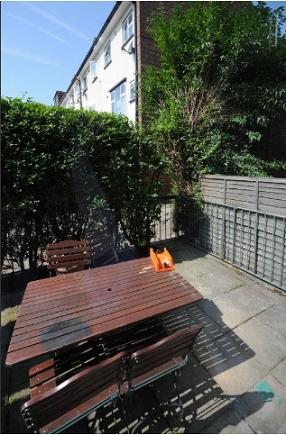 2 Bed Maisonette Property to Rent in Cross Harbour, Canary Wharf, E14 3HH by Adamson Knight Estate Agents