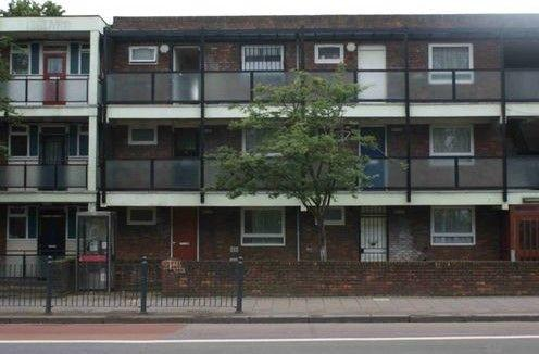 1 Bed Flat Property to Rent in Canary Wharf, E14 6JQ by Adamson Knight Estate Agents