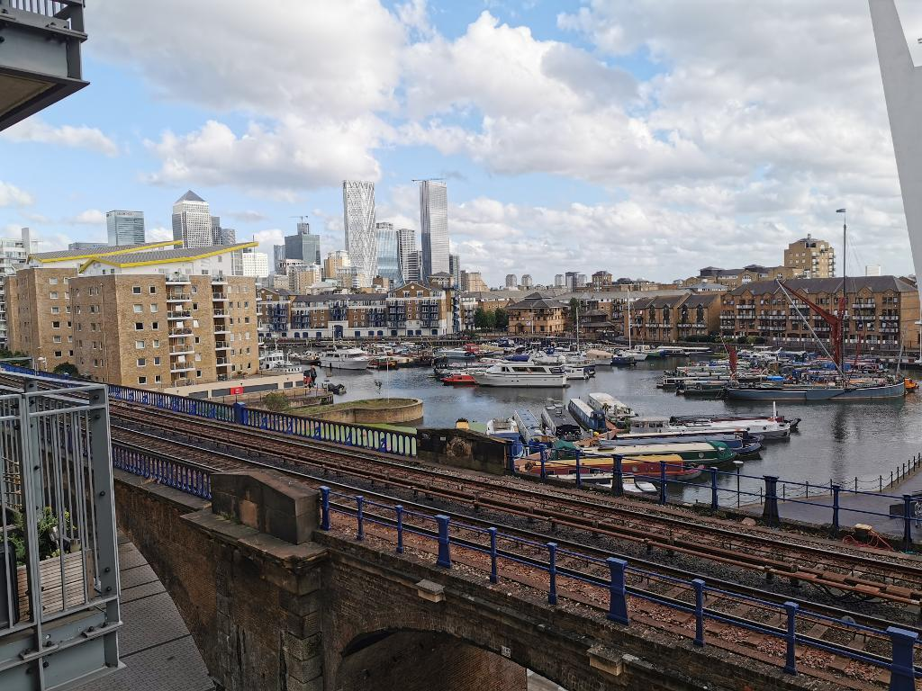 1 Bed Flat Property to Rent in London, E14 7JR by Adamson Knight Estate Agents