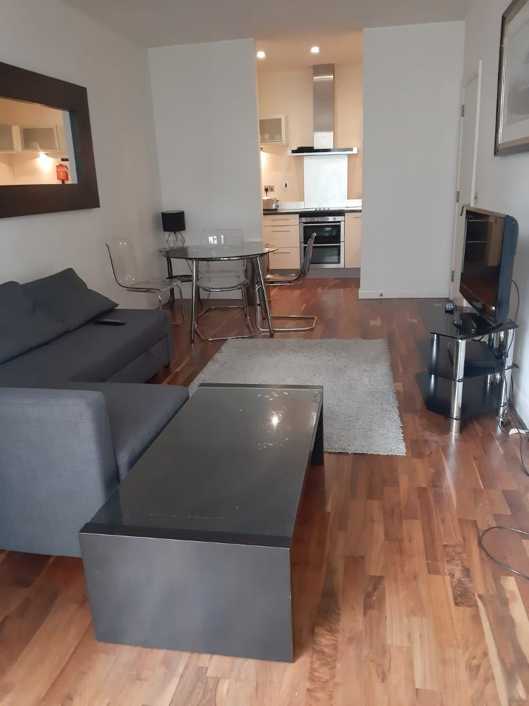 2 Bed Flat Property to Rent in London, E14 9HL by Adamson Knight Estate Agents