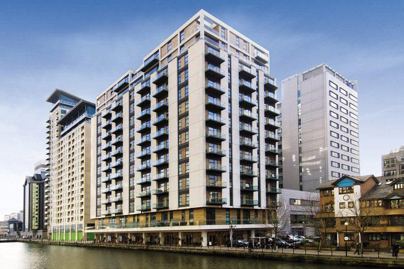 1 Bed Flat Property to Rent in London, E14 9RL by Adamson Knight Estate Agents