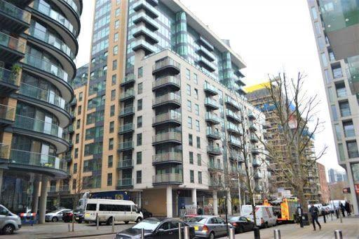 2 Bed Flat Property for Sale in London, E14 9NE by Adamson Knight Estate Agents