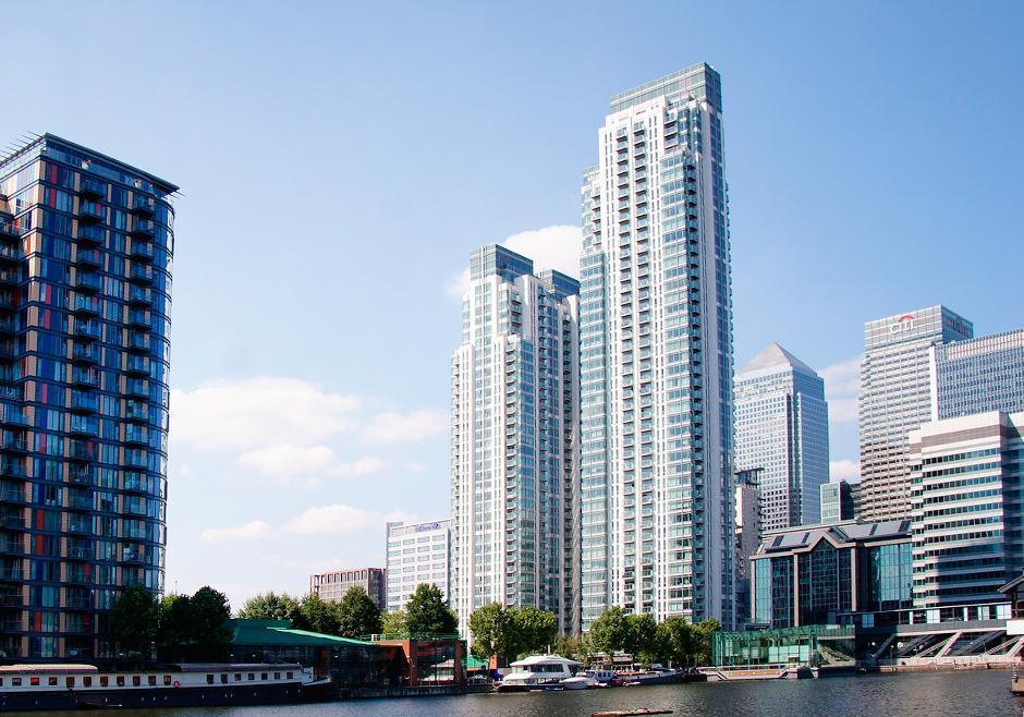 2 Bed Flat Property to Rent in London, E14 9HD by Adamson Knight Estate Agents
