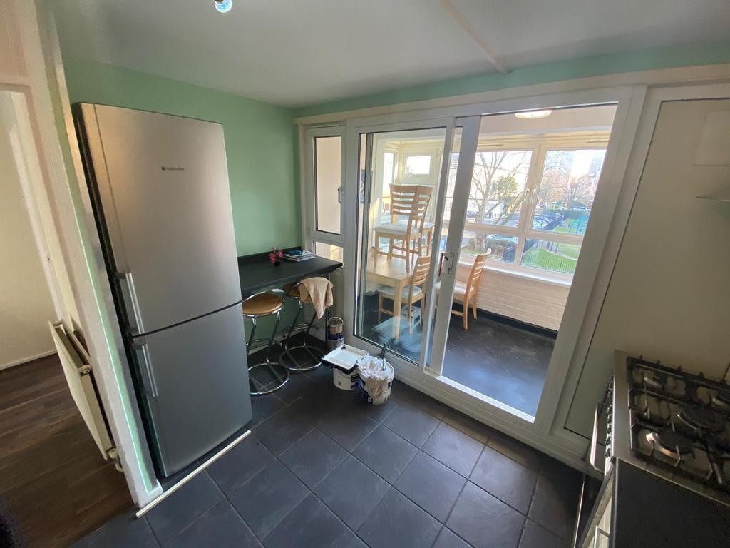2 Bedroom Maisonette to Rent in London, E14 9LQ by Adamson Knight Estate Agents