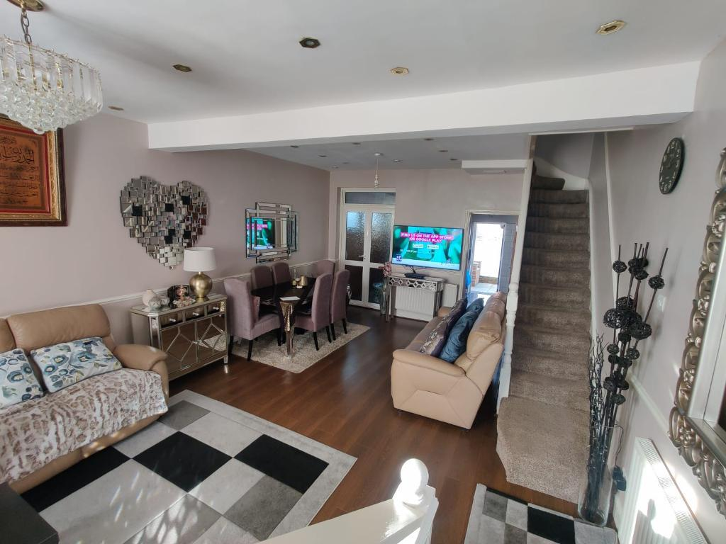 4 Bed Terraced Property for Sale in London, E10 7BG by Adamson Knight Estate Agents