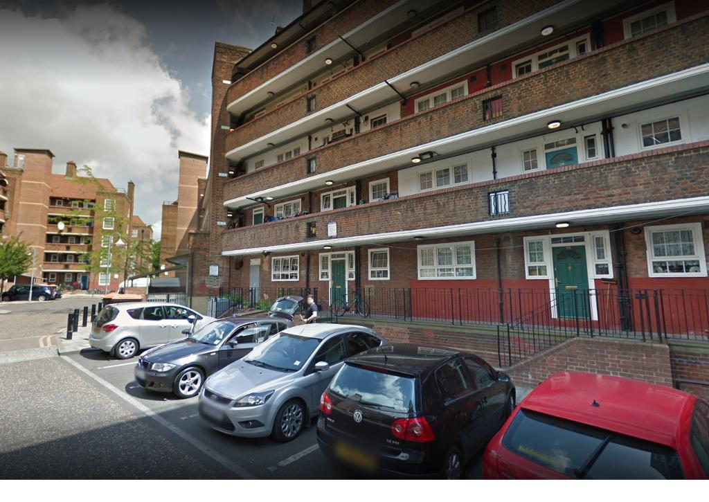 3 Bed Flat Property to Rent in Hackney, E5 8JT by Adamson Knight Estate Agents