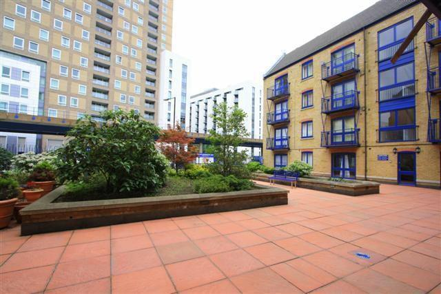 2 Bed Flat Property for Sale in Canary Wharf, E14 3LH by Adamson Knight Estate Agents