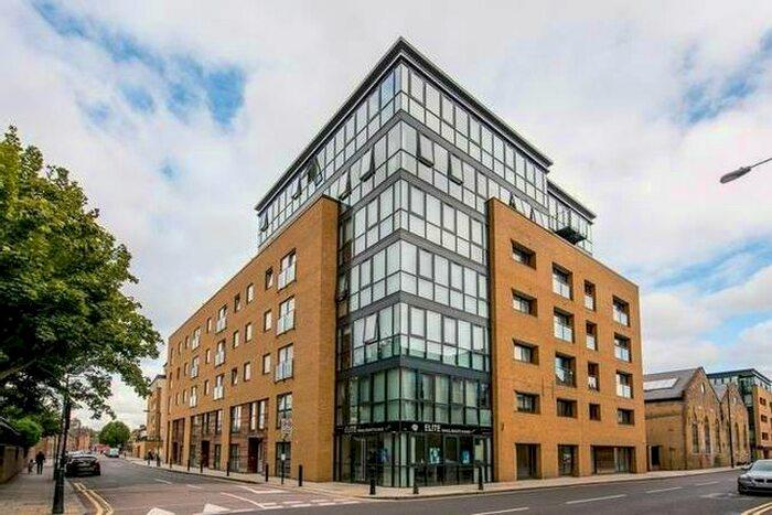 2 Bed Apartment Property to Rent in Canary Wharf, E14 3GY by Adamson Knight Estate Agents