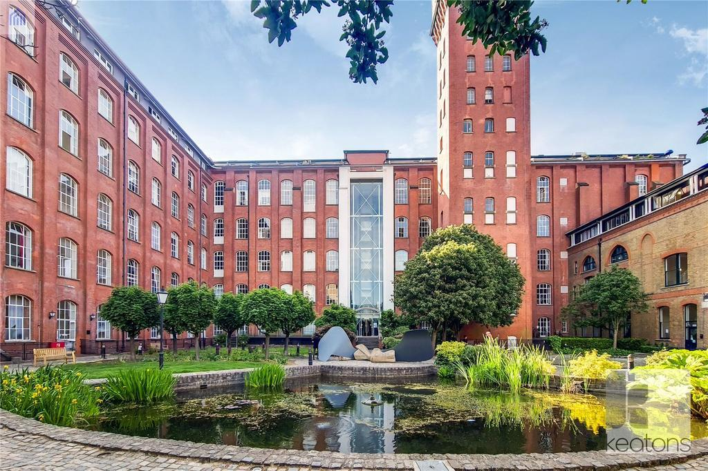 2 Bed Flat Property to Rent in 60 Fairfield Road, E3 2UR by Adamson Knight Estate Agents